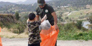 Καθαριότητα Παραλιών και όχι μόνο από Ανεξάρτητους Συνεργασία Κίνημα Ενωμένων Κυπρίων Κυνηγών